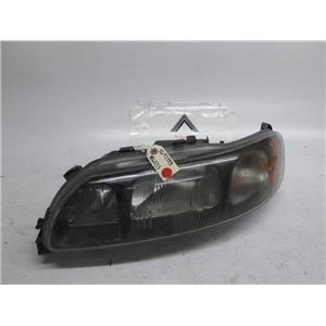 Volvo S60 left side headlight 8693583 01-05