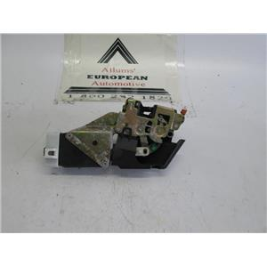 00-04 Volvo S40 left rear door lock acctuator stricker box