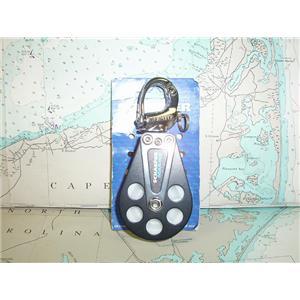 "Boaters' Resale Shop of TX 1712 1757.04 SCHAEFER 504-09 SNAP SHACKLE W/ 2"" BLOCK"