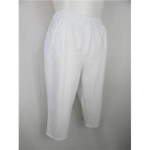 Quacker Factory Size 1X White pull-on style 60% cotton/40% poly Capri Pants
