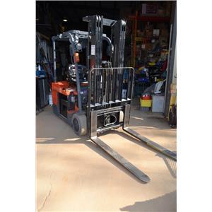 2010 Toyota 7FBEU15 Electric Forklift & 36V Battery Charger