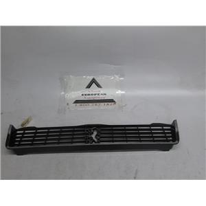Peugeot 505 front grille