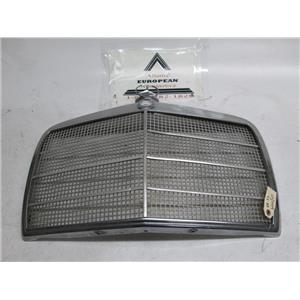 Mercedes W114 W115 300D 240 220 280 front grille 68-72