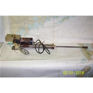 Boaters Resale Shop of TX 1901 2742.02 ROBERTSON HLD2000L HYDRAULIC 12V DRIVE