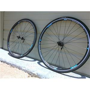DT Swiss R1900 All Road Wheelset W/Tires 700c