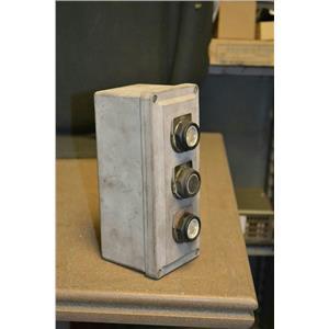 Square D 3 Button Control Station SKY-3 Series D