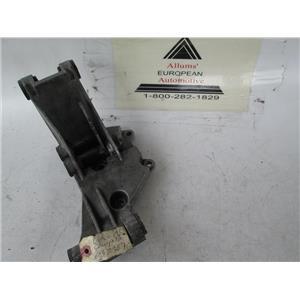 Volvo engine bracket mount 6982367