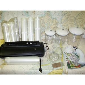 Boaters Resale Shop of TX 1707 0452.17 FOOD SAVER V2222, BAGS & CANNISTERS