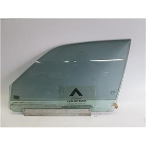 Jaguar XJ8 98-02 left front door glass