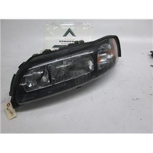 Volvo S60 left side headlight 8693583 01-05