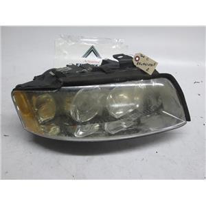 Audi A4 right side headlight 8E0941030F BROKEN TABS 03-05