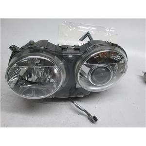 Jaguar XJ8 XJR Vanden Plas left side xenon headlight C2C-26695 04-09