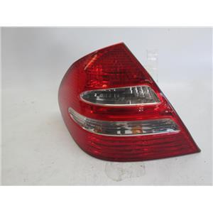 Mercedes W211 left side tail light E320 E350 E500 2118200364 03-07