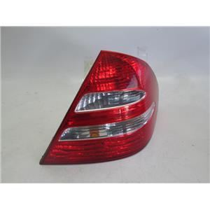 Mercedes W211 right side tail light E320 E350 E500 2118200464 03-07