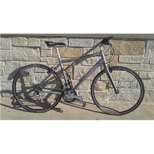 2010 Trek 7.6 FX Road Bike / Hybrid - 9 Speed - 51cm