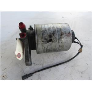 BMW 524TD E28 diesel fuel filter mount