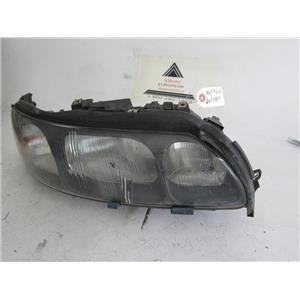Volvo S60 right side headlight 8693584 8699612 01-05