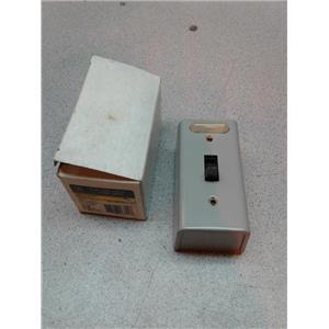Ge CR101Y11 Motor Switch, Manual, Nema1, 1Pole, Lighted