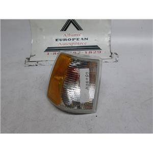 Volvo 850 right front turn signal 6808835