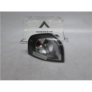 Volvo S80 right front turn signal 00-03 8620464