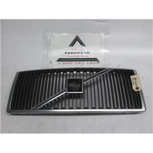 Volvo 740 940 front grille 1369618