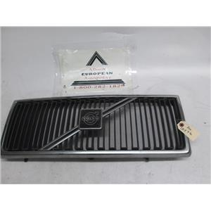Volvo 240 front grille 1312790 86-93