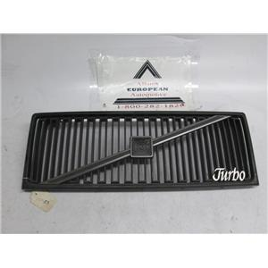 Volvo 740 940 turbo front grille 1369023
