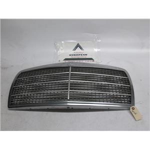 Mercedes W126 300SE 560SEL 380 350 420 front grille 81-91