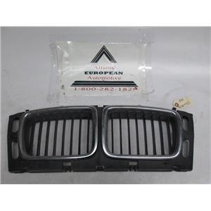 BMW E34 wide center kidney  grille 5113814727