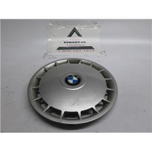 BMW E30 318i wheel hubcap 36131179170
