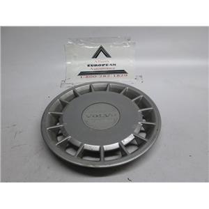 Volvo 240 740 940 wheel hubcap #3