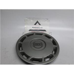 Volvo 240 740 940 wheel hubcap