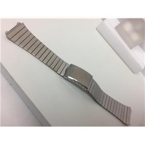 Pulsar WatchBand/Bracelet Band Engraved # 081BA.E. Unknown Model 19mm.