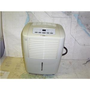 Boaters' Resale Shop of TX 2003 1474.01 FRIGIDAIRE FDD25S1 25 PINT DEHUMIDIFIER
