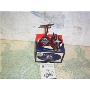 Boaters' Resale Shop of TX 2005 2725.27 SHAKESPEARE 2062 VINTAGE FISHING REEL