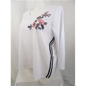 Avenue Size 26/28 White Round Neck 3/4 Sleeve Top w/ Floral Applique