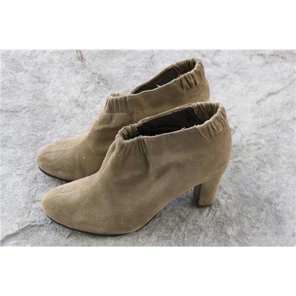 38a4fd04df40a5 8.5 Sam Edelman Tan Putty Suede Block Heel Elastic Ruched Ankle Round Toe  Bootie