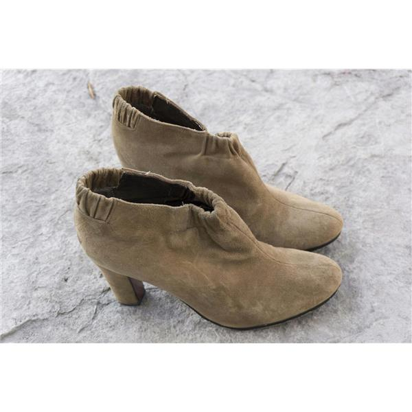 beb2a65a464cfd ... 8.5 Sam Edelman Tan Putty Suede Block Heel Elastic Ruched Ankle Round  Toe Bootie ...
