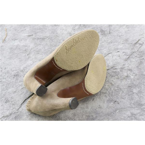 33debaa1d7a408 8.5 Sam Edelman Tan Putty Suede Block Heel Elastic Ruched Ankle Round Toe  Bootie . Cash in the Closet