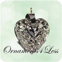 2003 Charming Hearts #1 - Miniature Photo Holder - QXM4939