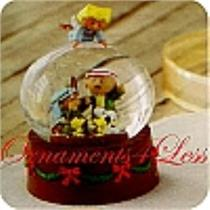 2010 Peanuts Christmas Pageant Water Globe - XOX5001