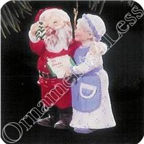 1994 Mr and Mrs Claus #9 - A Handwarming Present - SDB WITH NO TAG