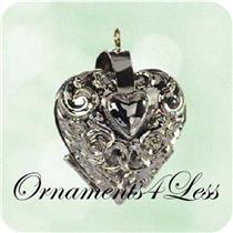 2003 Charming Hearts #1 - Miniature Photo Holder - QXM4939 - SDB