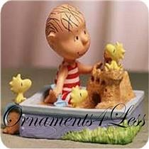 2001 King of the Sandbox - Porcelain Peanuts Gallery Figurine - QPC4027