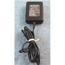Adiovox AC Adapter CNR-4000  Output: 5V  750 mA