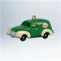 Hallmark Series Ornament 2012 Mamas Delivery Van Nostalgic Houses Shops #QXG4571