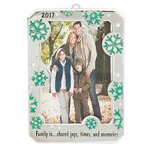 Carlton Heirloom Ornament 2017 Family Frame - Snowflake Photo Holder - #CXOR012M
