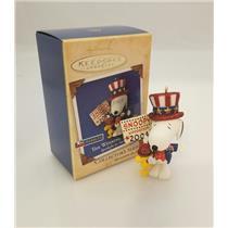 Hallmark Series Ornament 2004 Spotlight on Snoopy #7 The Winning Ticket  #QX8371