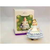 Hallmark Spring Ornament 2000 Alice in Wonderland - Madame Alexander - #QEO8421