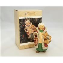 Hallmark Keepsake Ornament 1996 Mrs Claus - Folk Art Americana - #QK1204